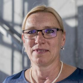 Rozhovor s Kateřinou Legnerovou (KP) v Hospodářských novinách na téma Padesátník má ještě patnáct let na budování kariéry